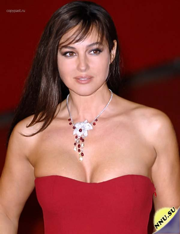 Monica Bellucci Hot Body Stills Hot And Sexy Beauty Monica