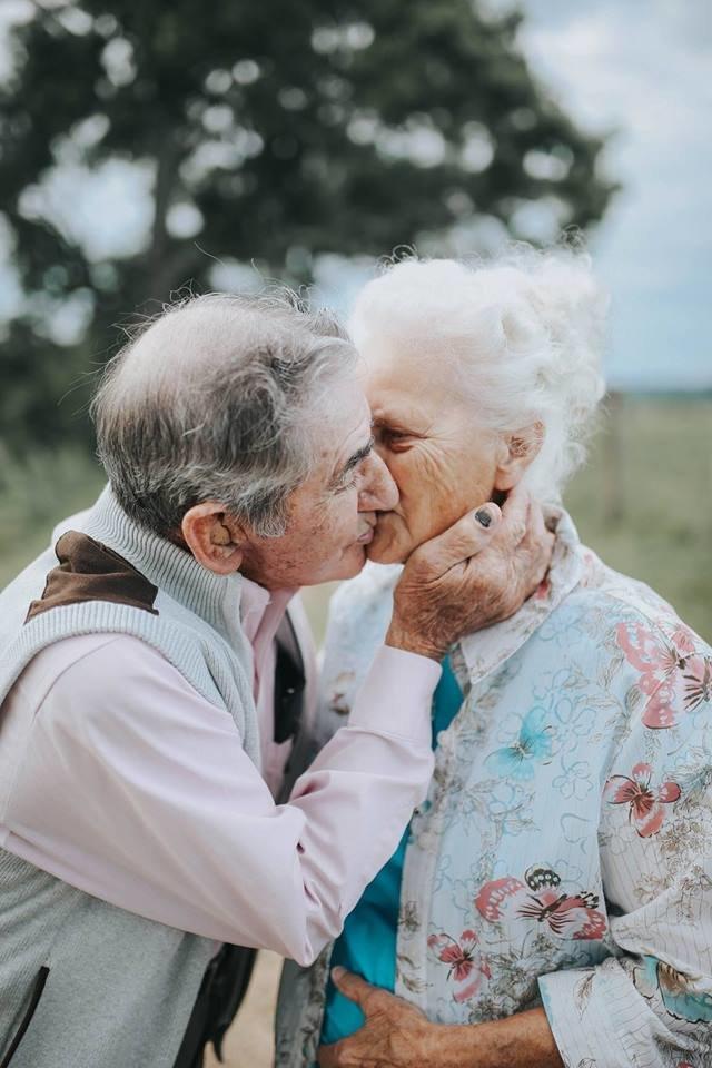 Картинка влюбленные старики