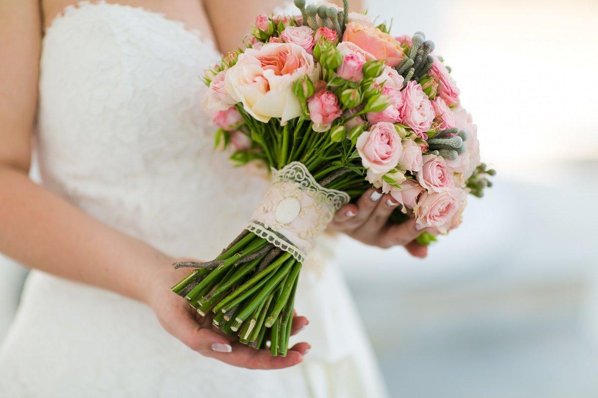 Магазине большой, форма букета для невесты в августе