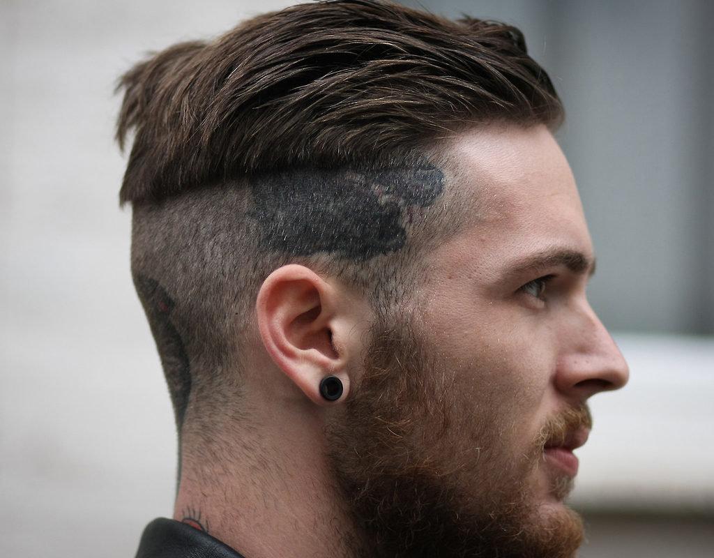 Тенденции хорошо прослеживаются на фото с модных показов, а изменения стиля можно начать со своих волос.