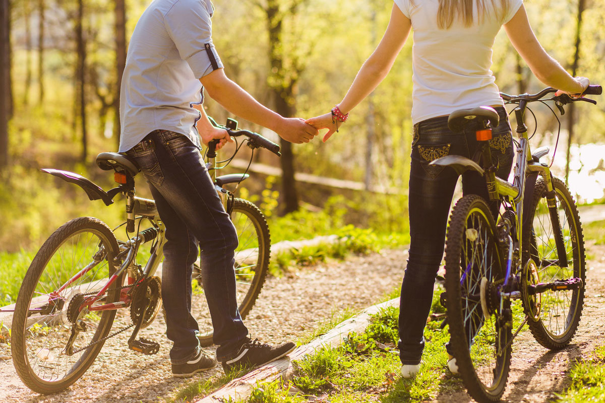 Фотосессия на велосипеде пара