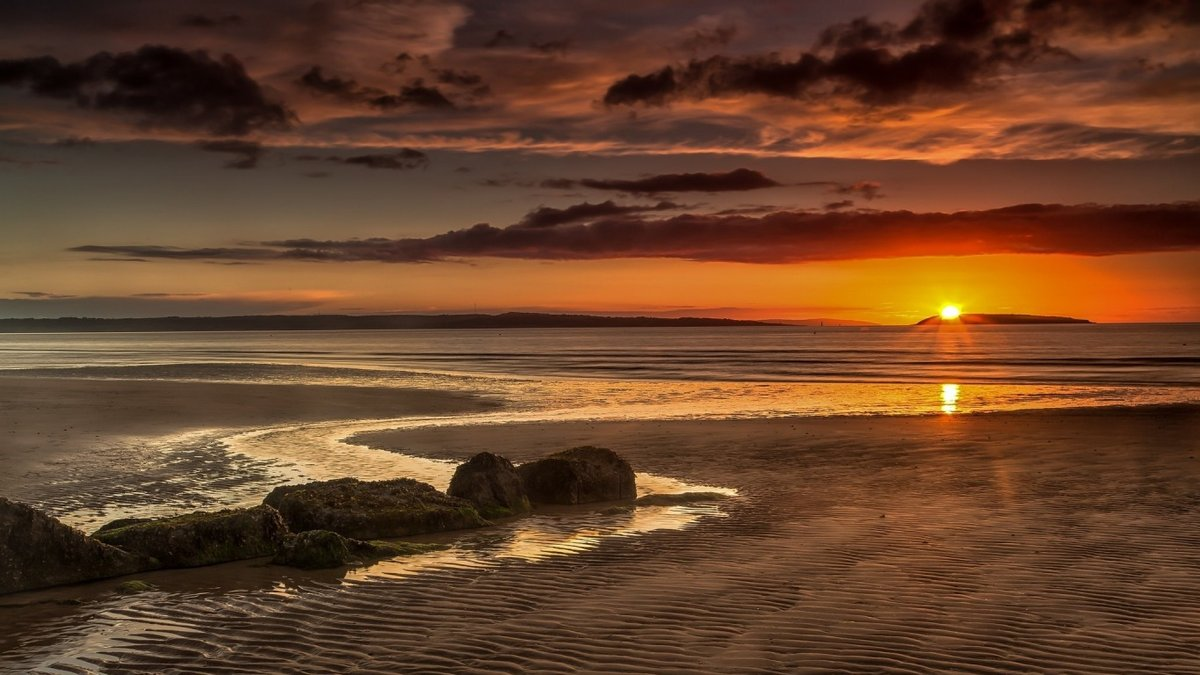 ребенок лежит закат на море закат на океане все картинки давать