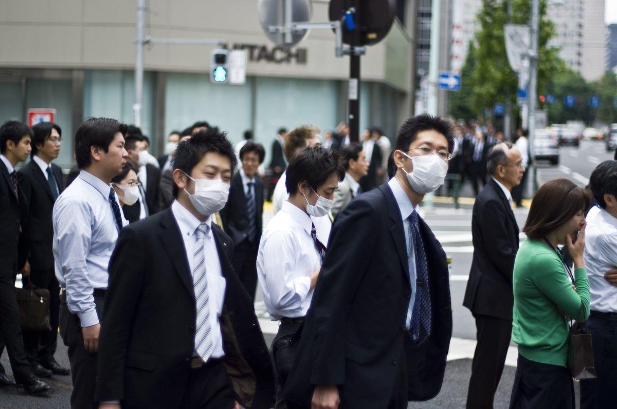 молодые японцы встре менее уговор