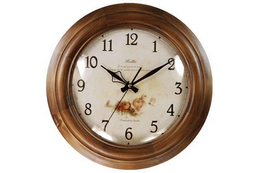 Настенные часы - котэ день светящиеся в темноте стрелки.