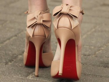 39 карточек в коллекции «Женские бежевые туфли  на ноге» пользователя  svetliyshmel в Яндекс.Коллекциях 90b25fbbb36cc