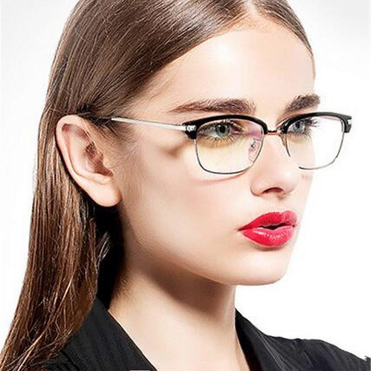 Классных фото строгие девушки в очках сексуальная жопа мире