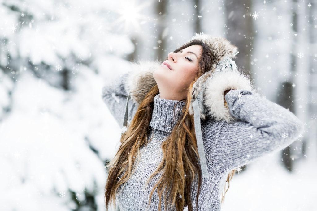 Зимняя девушка в картинках