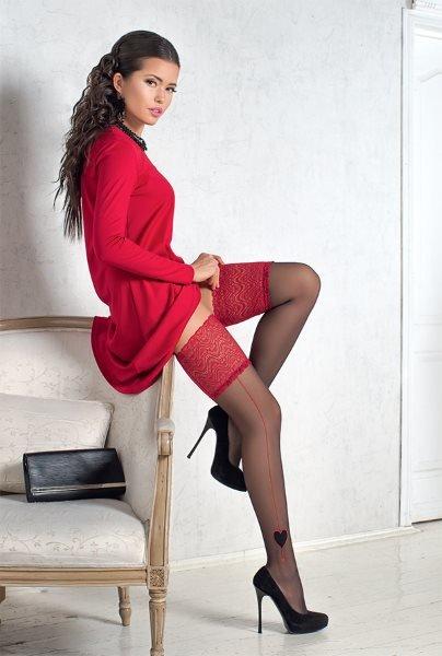 Фото в красной юбке и чулках — img 9