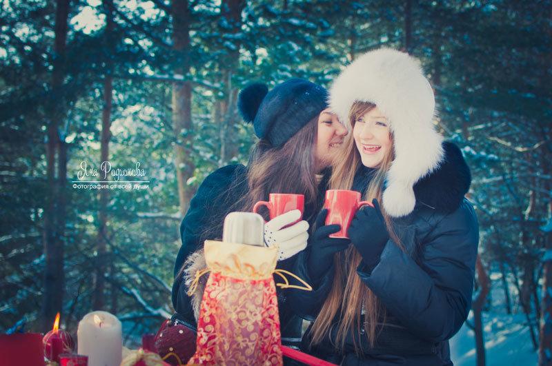 зимние фотосессии на улице с подругами мир