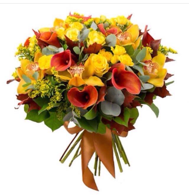 Букет из красных роз и желтой орхидеи
