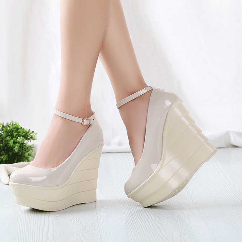 Женская обувь на платформе картинки