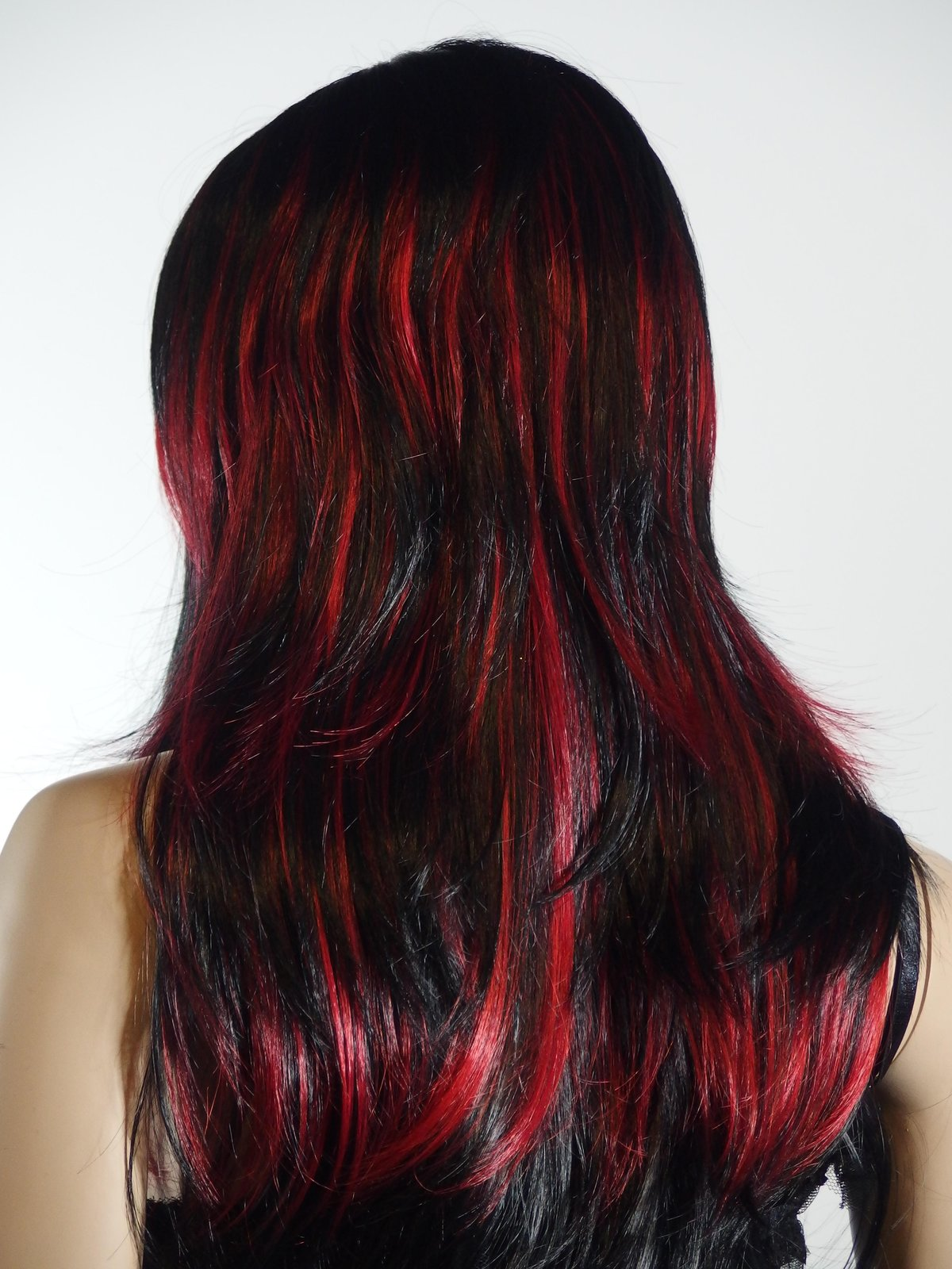 покраска волос красный черный картинки образом