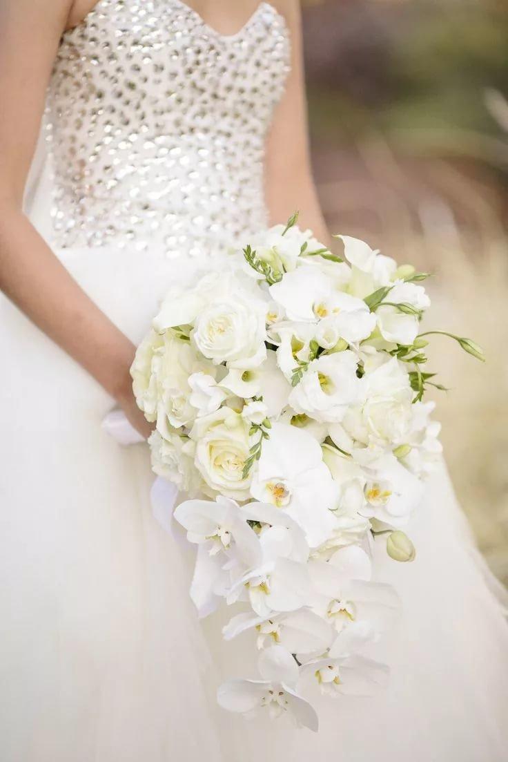 Цветов, букет невесты-каскадом