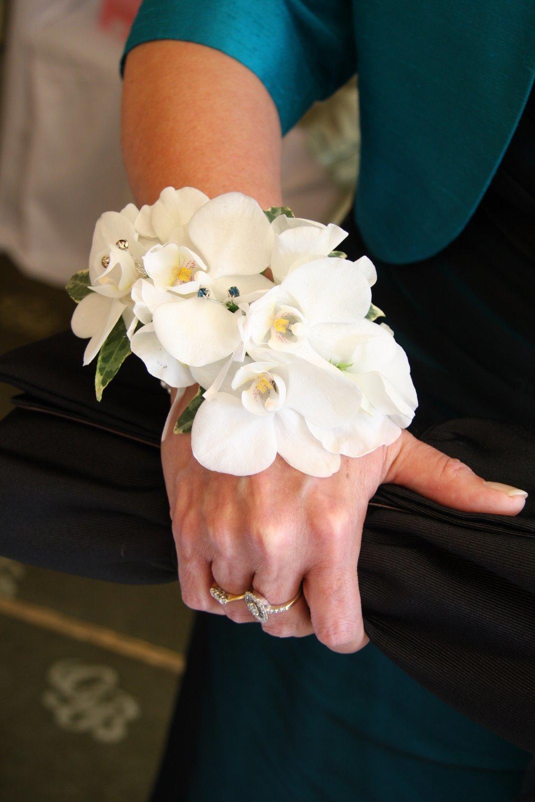 Цветов, живые цветы на руку купить спб