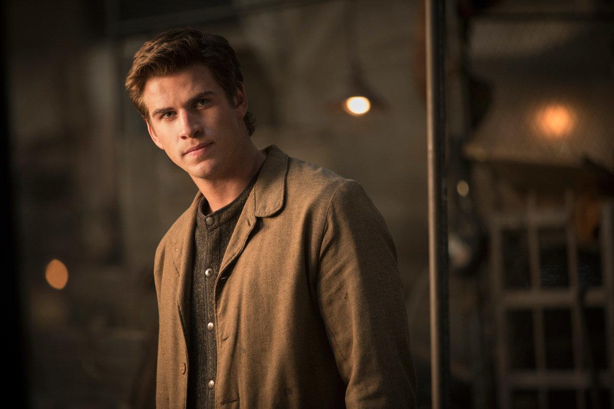 Liam Keith Hemsworth Melbourne 13 de janeiro de 1990 é um ator australiano mais conhecido pelos seus papéis de Gale Hawthorne em Hunger Games Josh Taylor