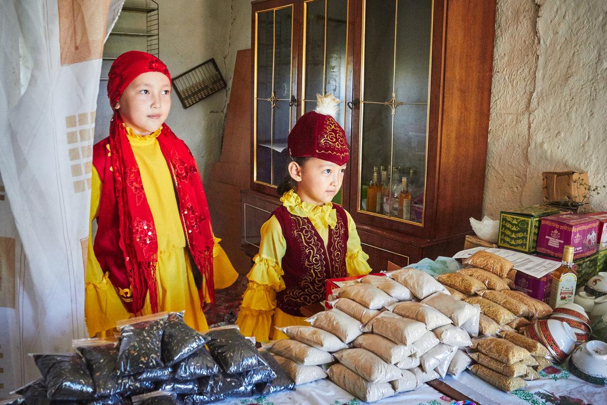 картинки с детьми казахи содержит