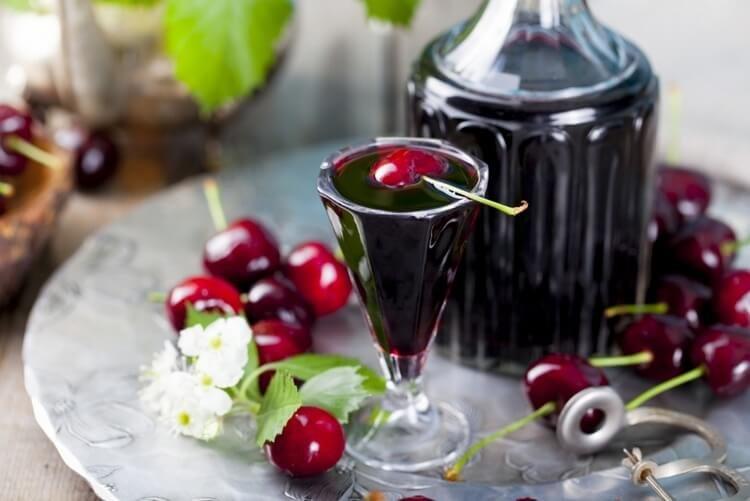 Вино из вишни ♨