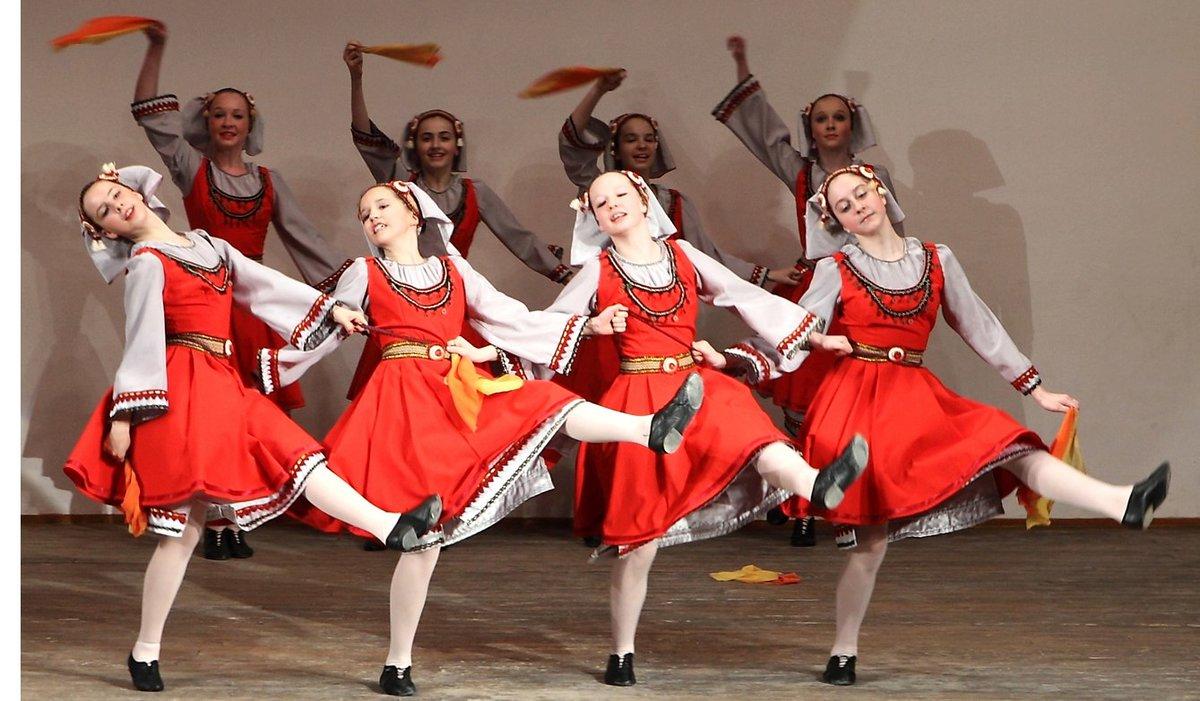 для создания фото картинки русский народный танец соблюдении