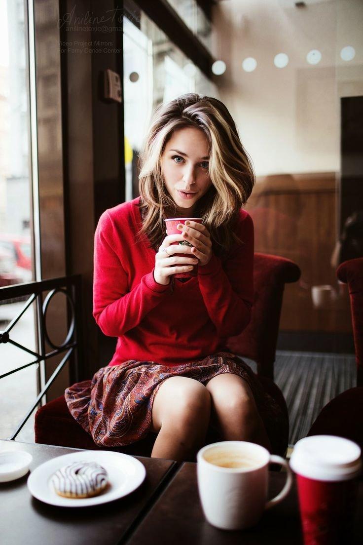 Правильные позы фотографии в кафе