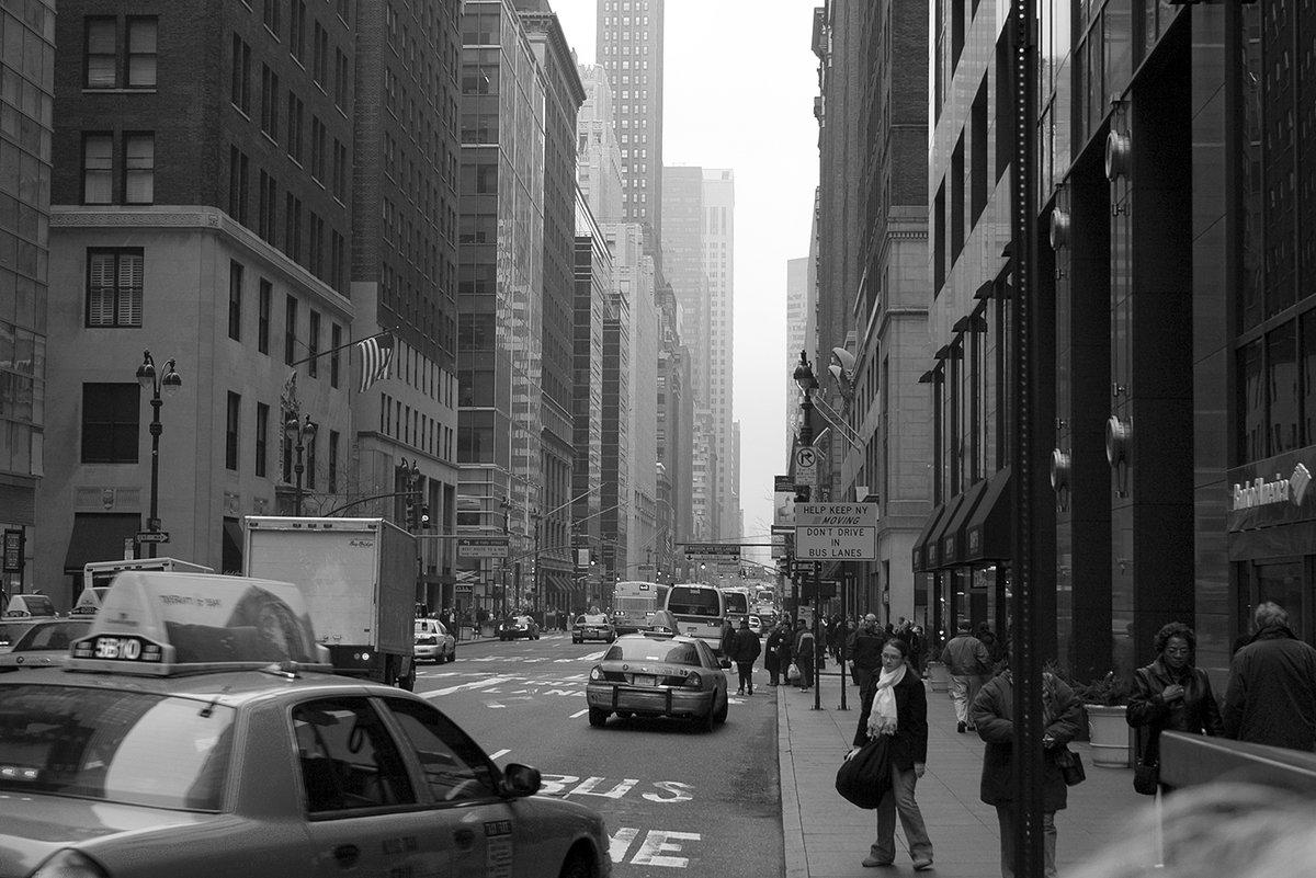 уверенный, мужественный постеры черно белое фото городская жизнь занимаются