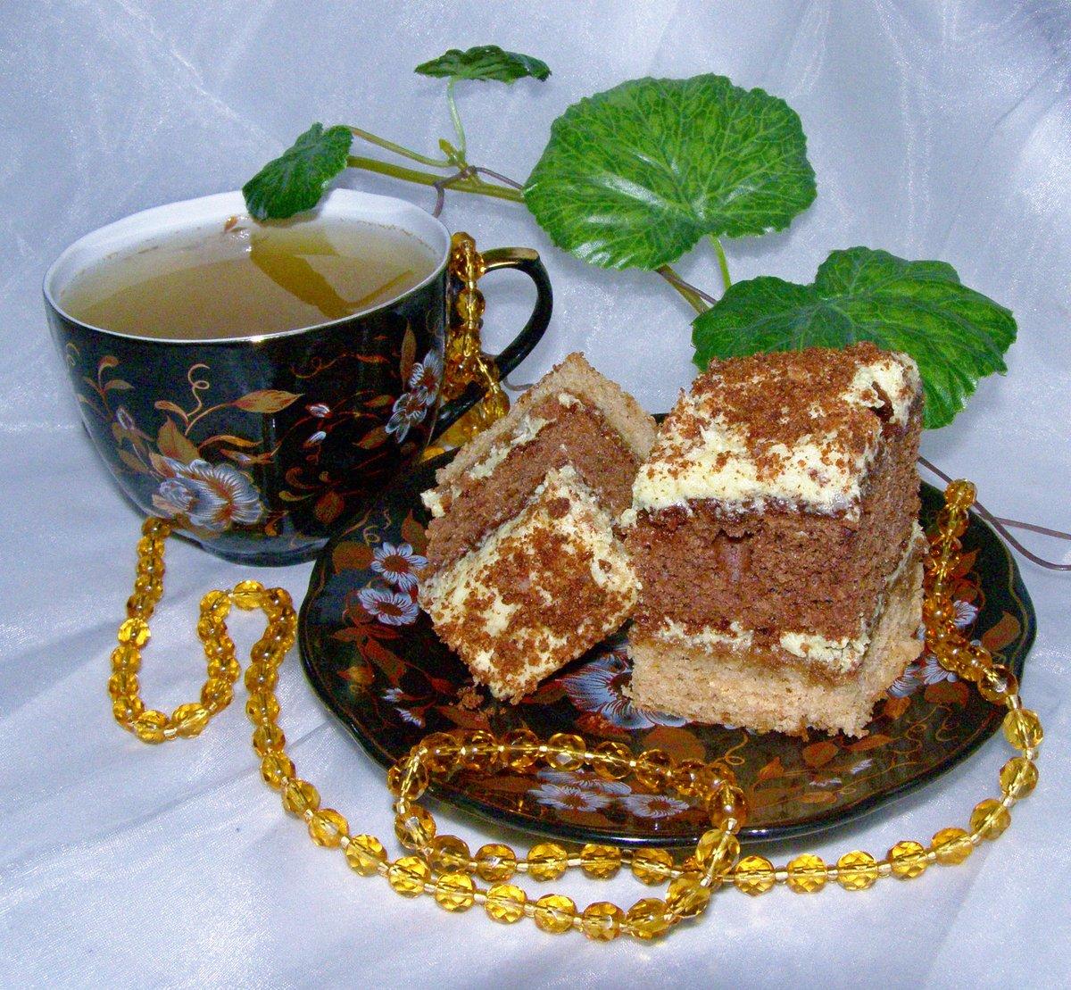 День рождение, картинка чаепития с тортиком