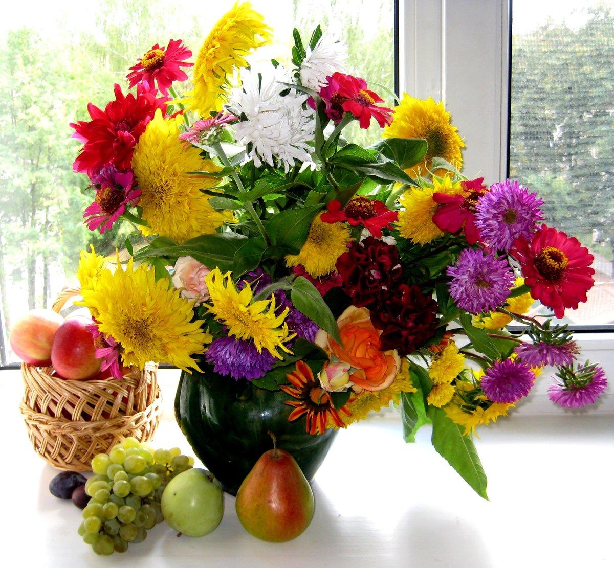 Картинки с букетами летних цветов, днем сотрудника