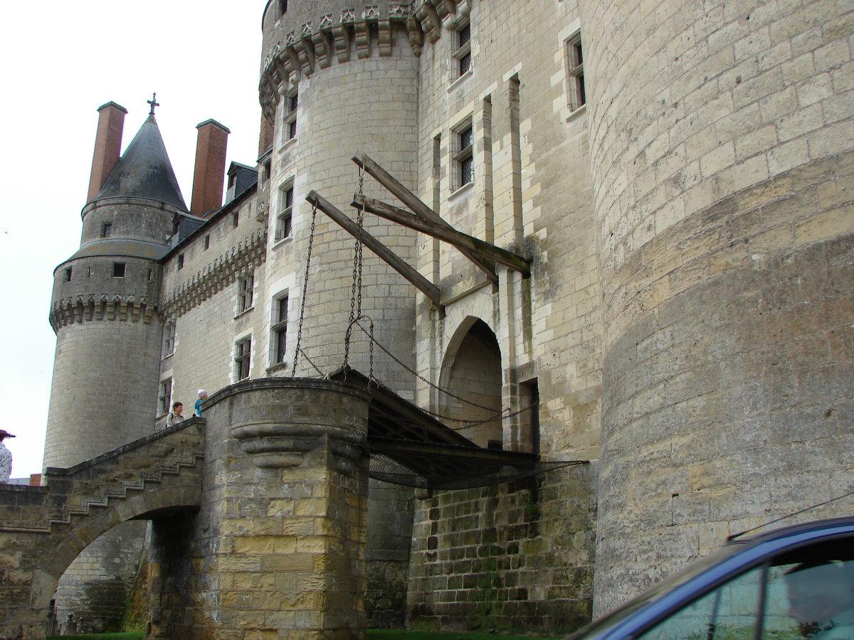 помогло подъемные мосты замков картинки можно окраску