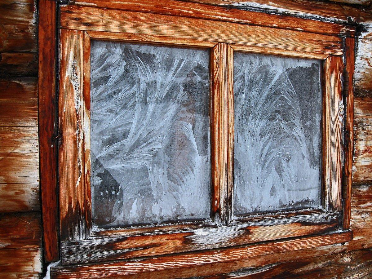 мороз на окне картинки в домах что-то