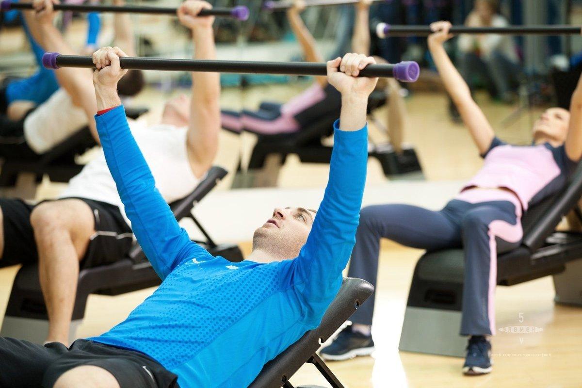 Картинки с атлетическими упражнениями найдете