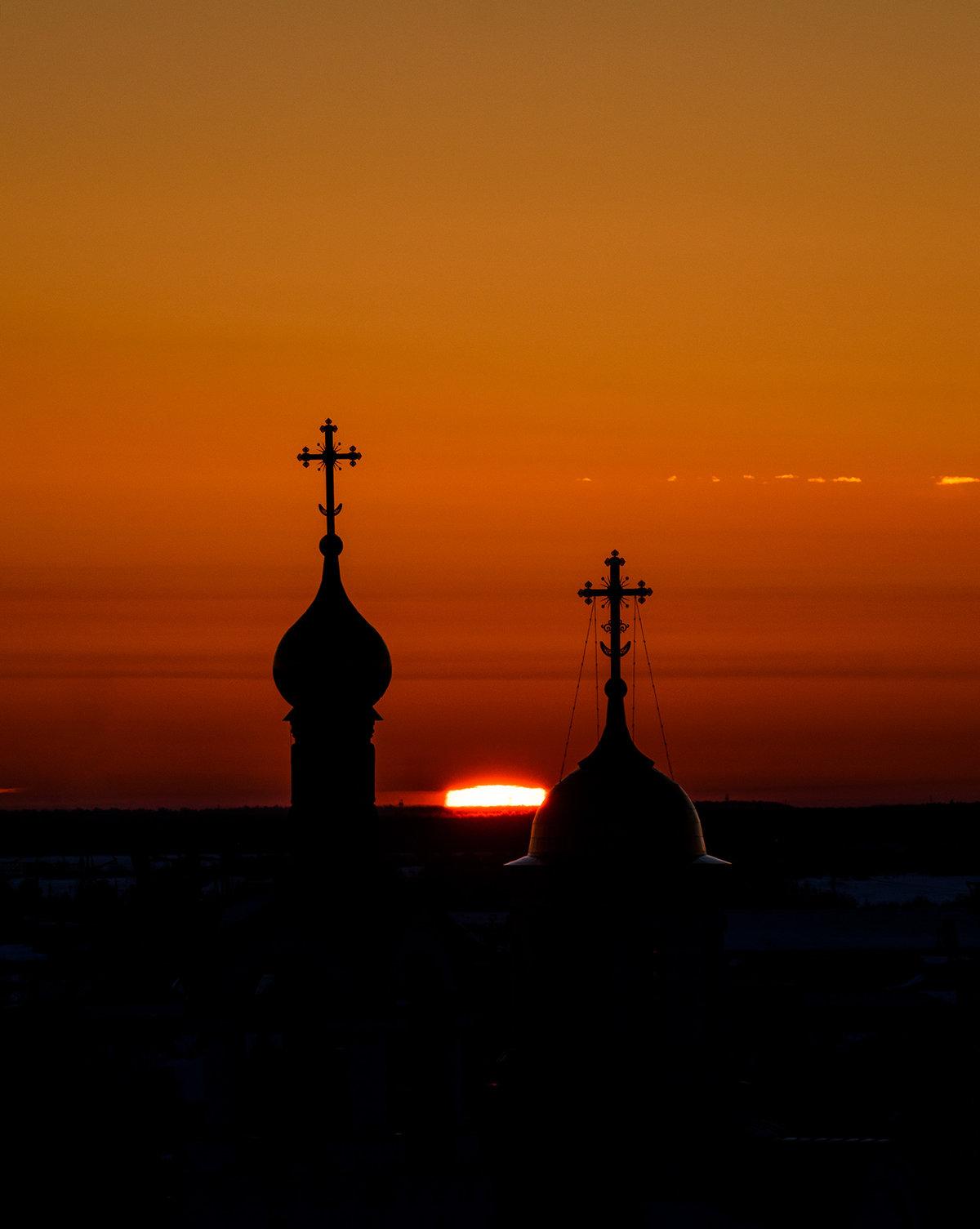 фото церквей на закате наконец-то она встречает
