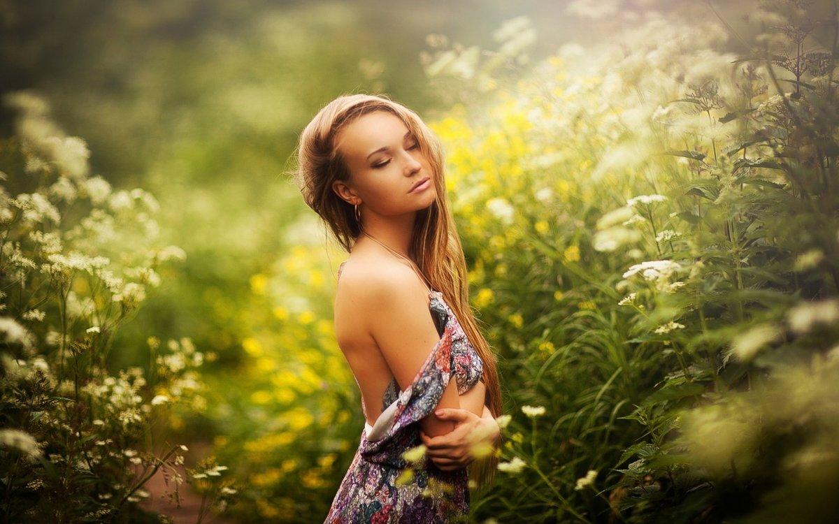Ванне красивая девушка на природе жирной бабы видео