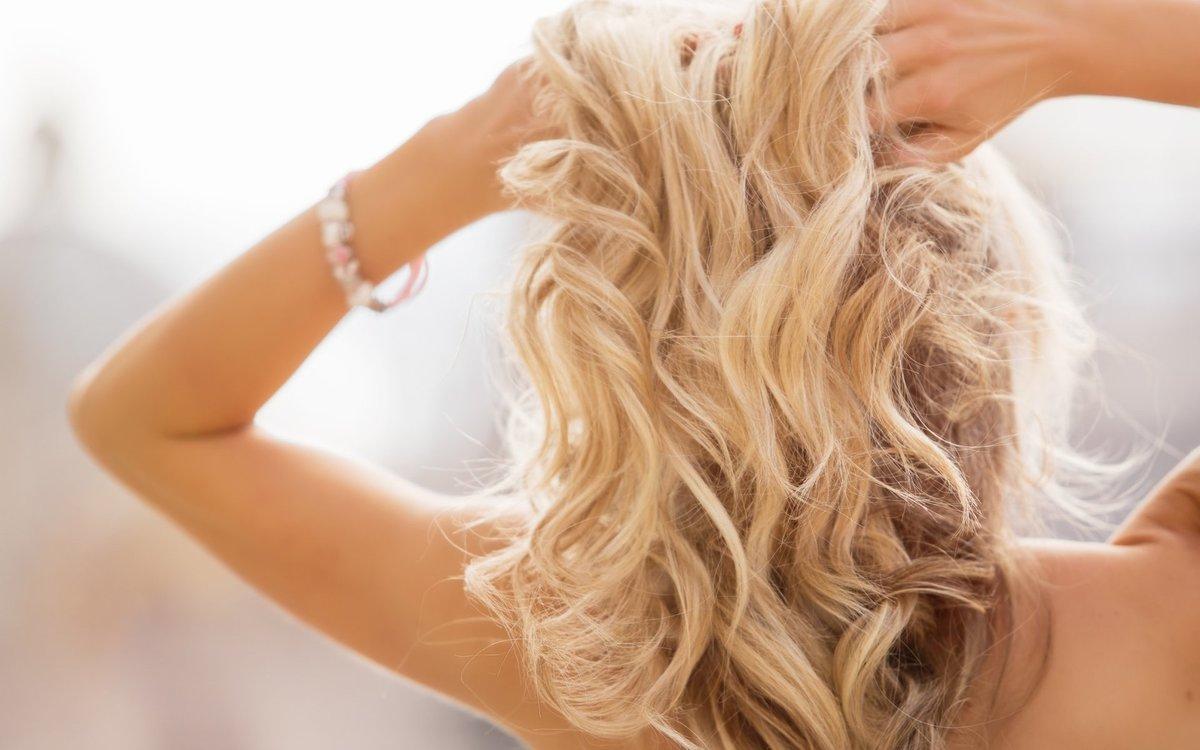фотки девушек сзади волосы блондинки
