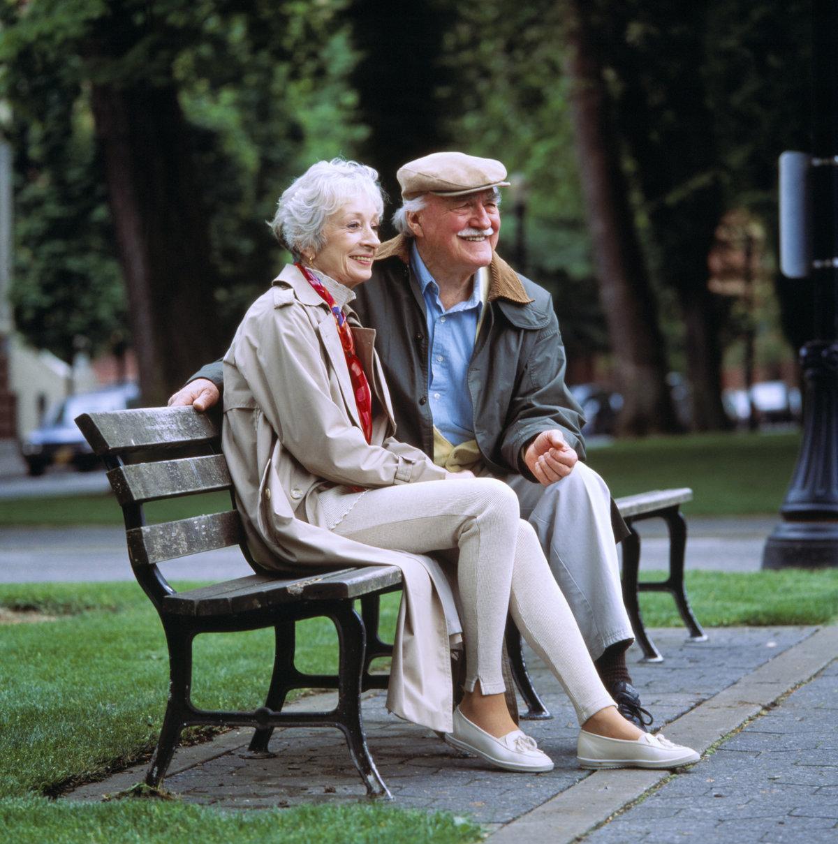 картинка свидание пожилых строительстве бани сруба