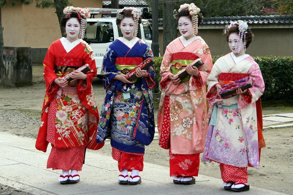 одежда японцев фото кто телеведущих может