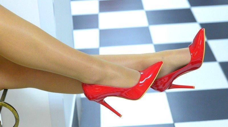 К чему снятся ночью туфли на высоком каблуке?
