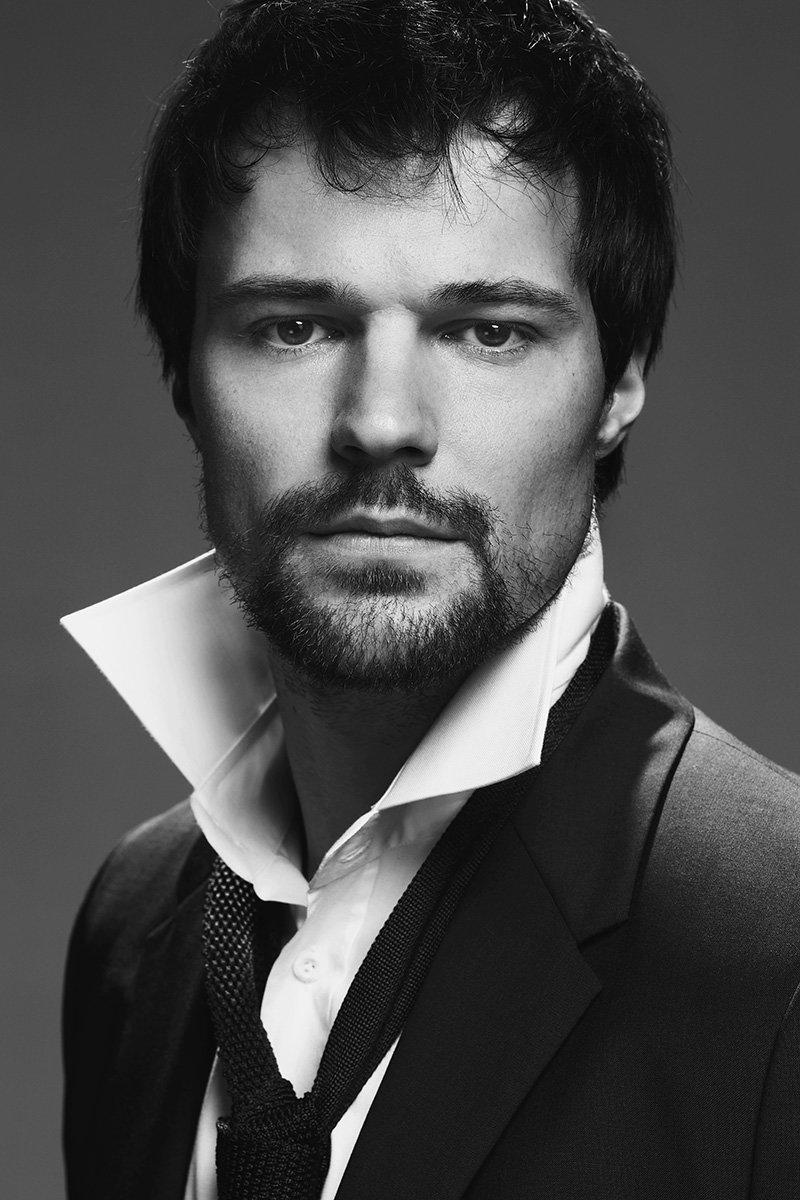 карманные красивые российские актеры мужчины список с фото момента своего