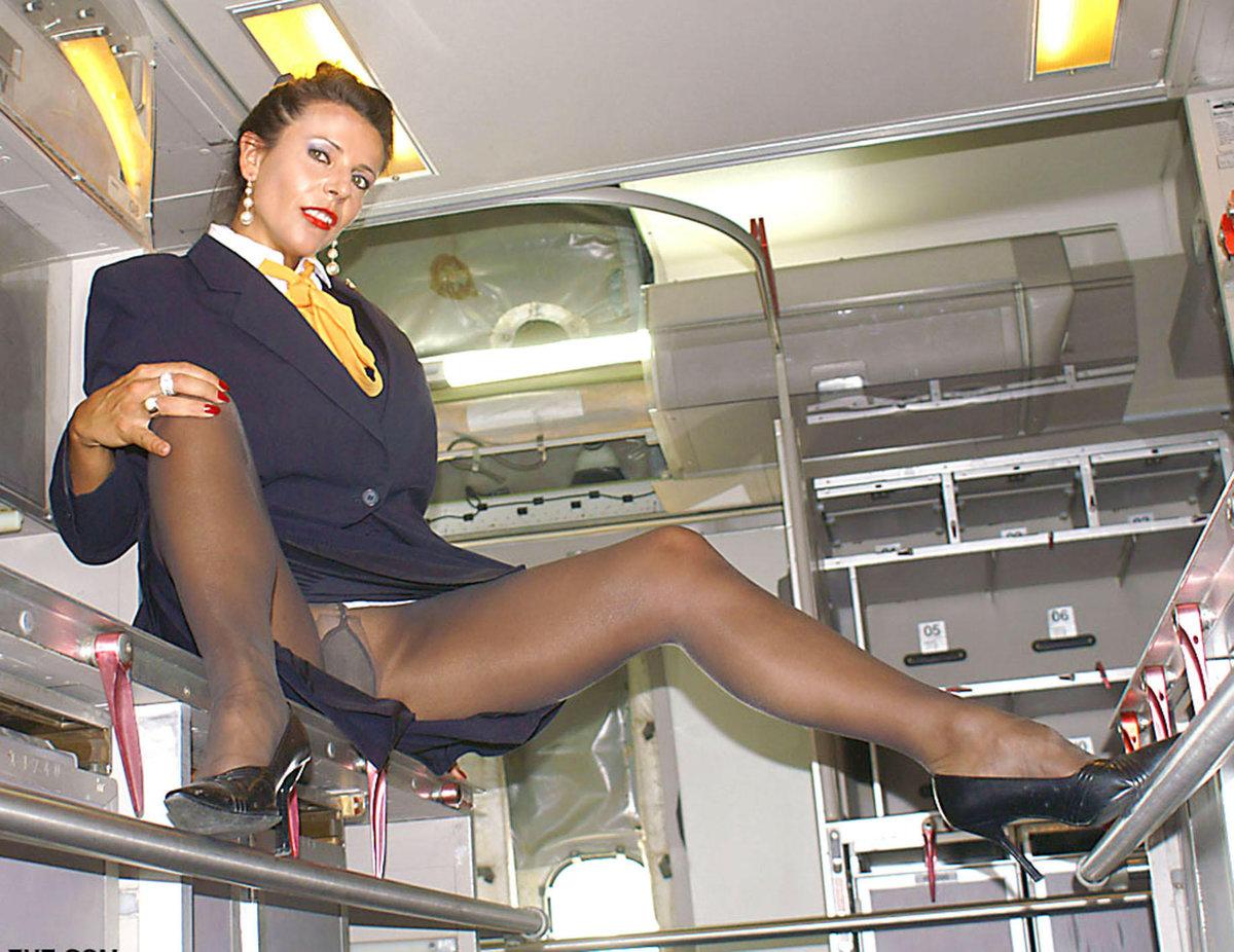 откровенные фотоснимки стюардесс