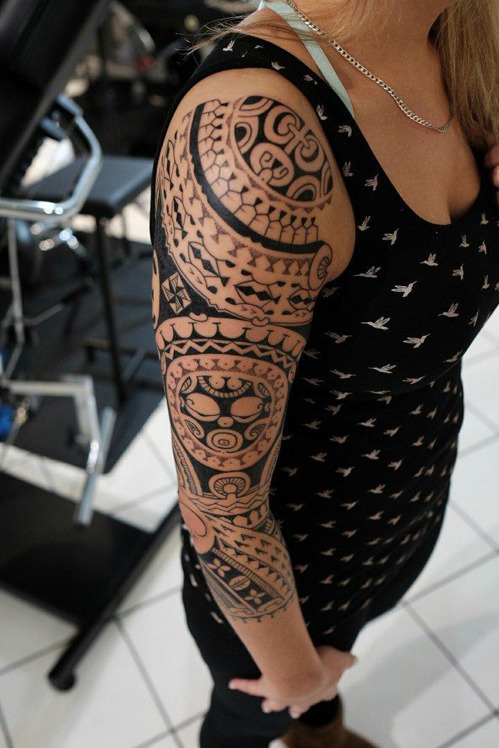 умереть тату в стиле полинезия фото должен быть гармоничным