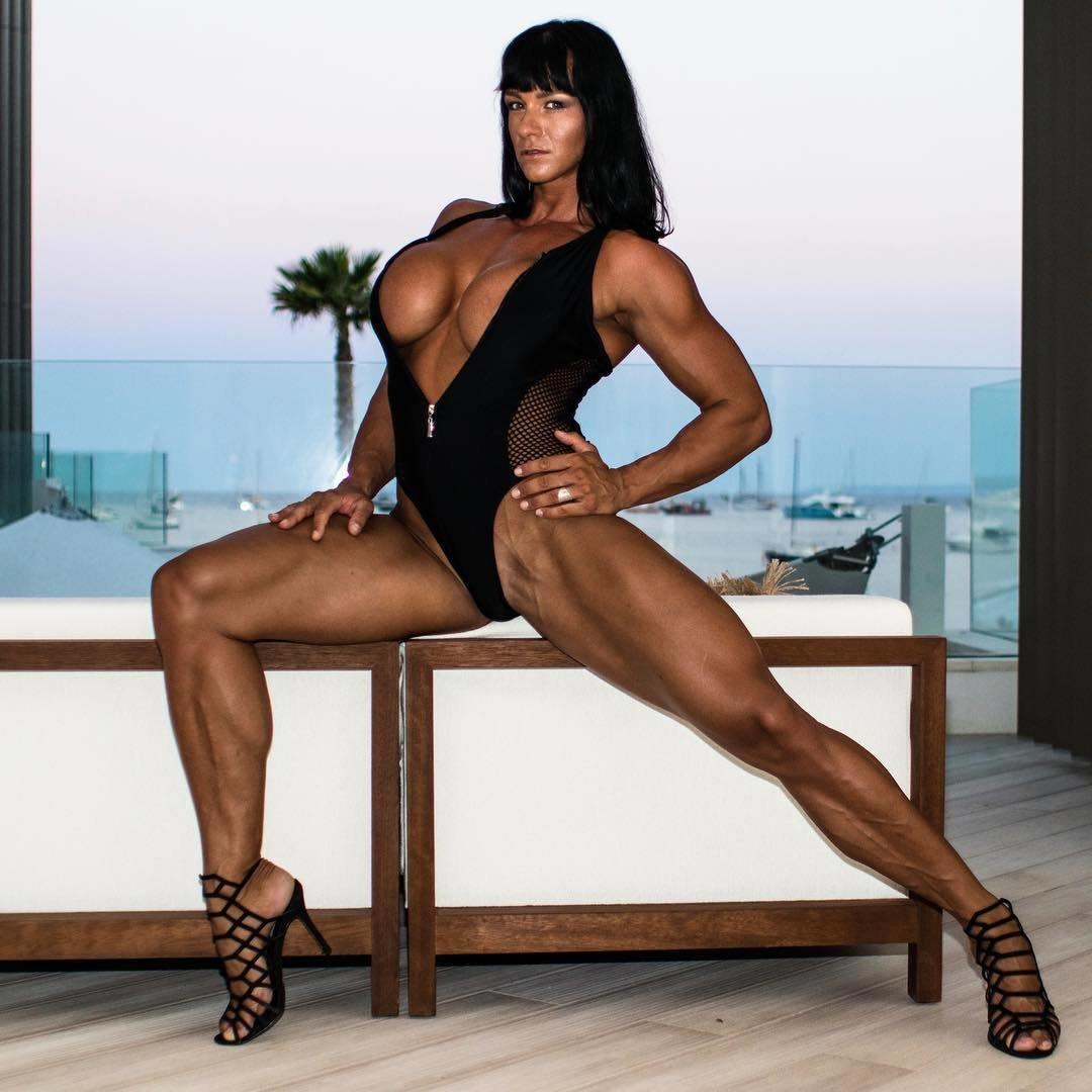 sexy-muscle-women-nude