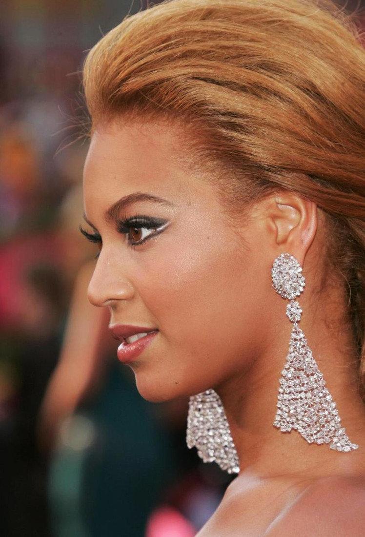 жизни творческой бриллиантовые серьги у звезд фото сайте собраны
