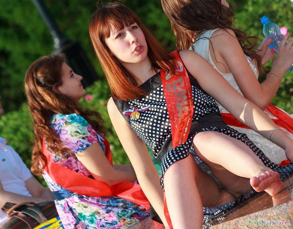 Под онлайн видео украинское платьем