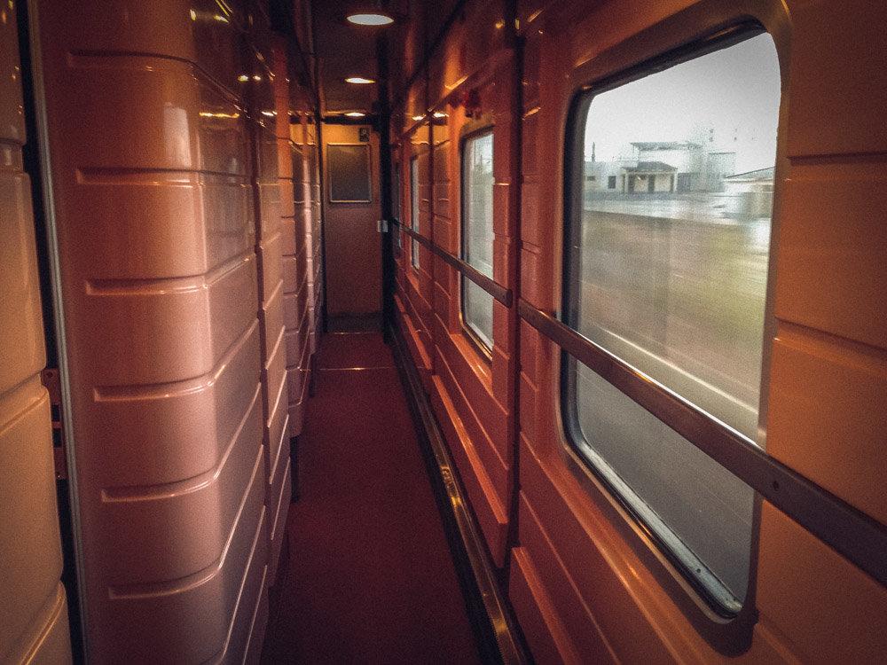 картинки поезда внутри вагона можете бросить его