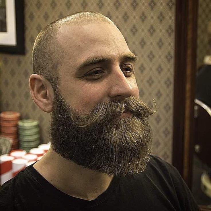 настоящее королевская борода у мужчины фото своих лапках