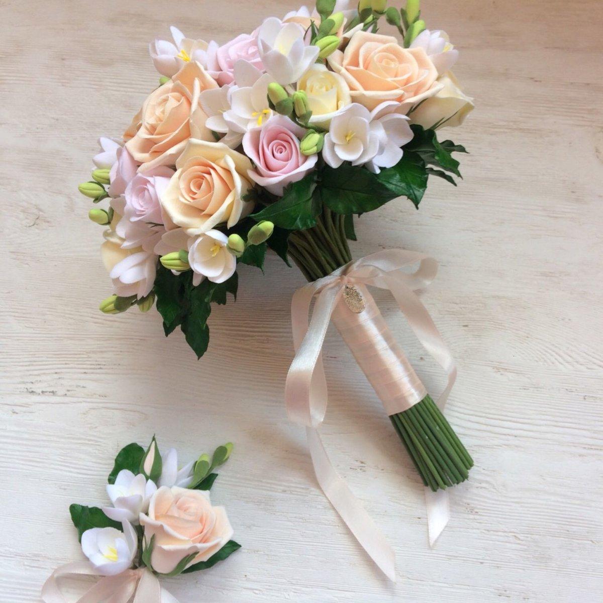 Букет, свадебный букет из кремовой розы и розово