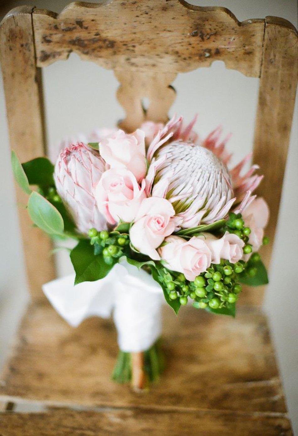 Свадебные букеты с протеей, цветов подарков