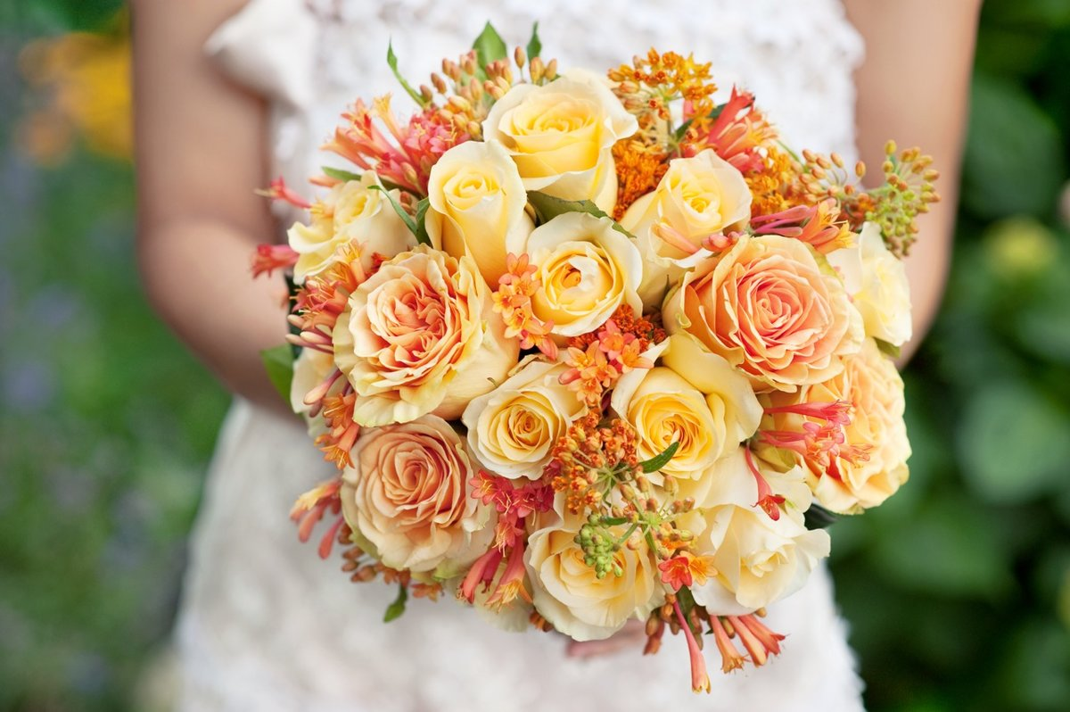Роз невесты, желто оранжевый букет невесты