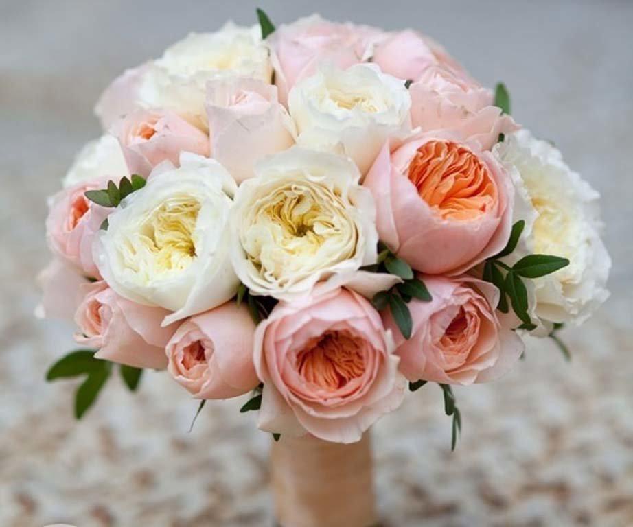 День, креативный букет для невесты из пионовидных роз