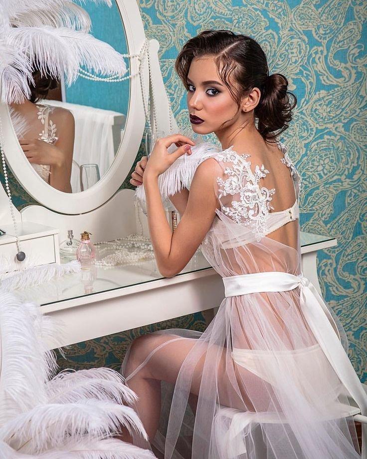 съемка невест в белье одной