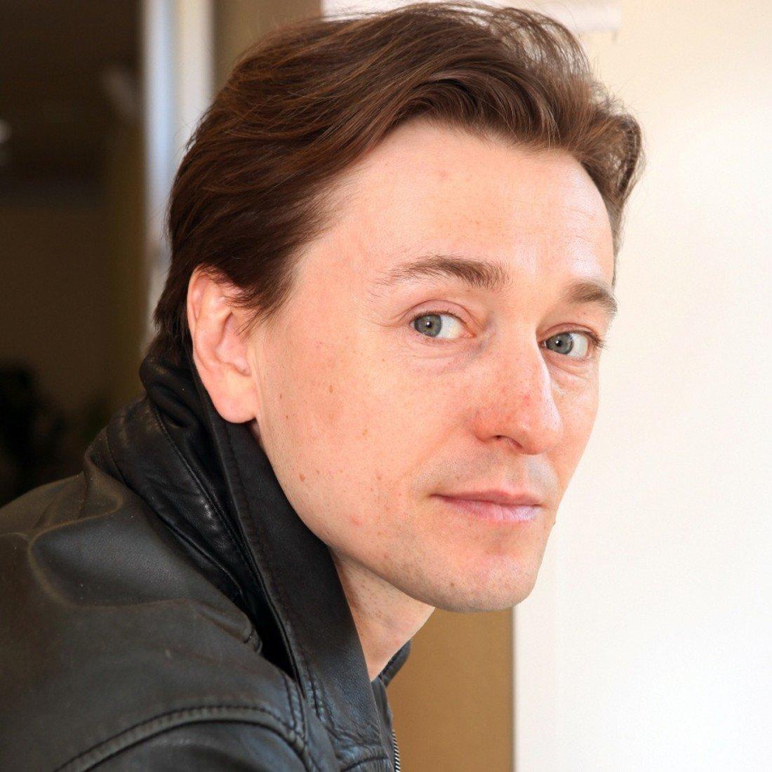 вам фотографии актера сделать в москве переводоведение