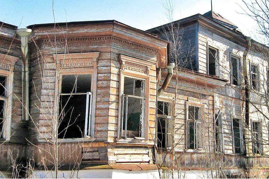Так выглядел господский дом усадьбы «Руново» десять лет назад. Фото автора